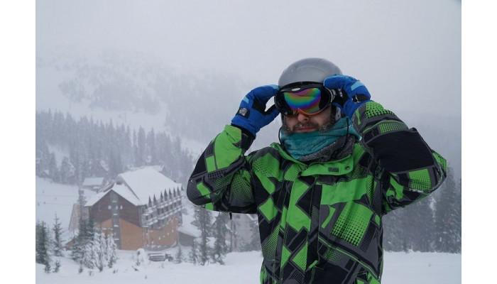 Dylemat narciarza: okulary czy gogle?